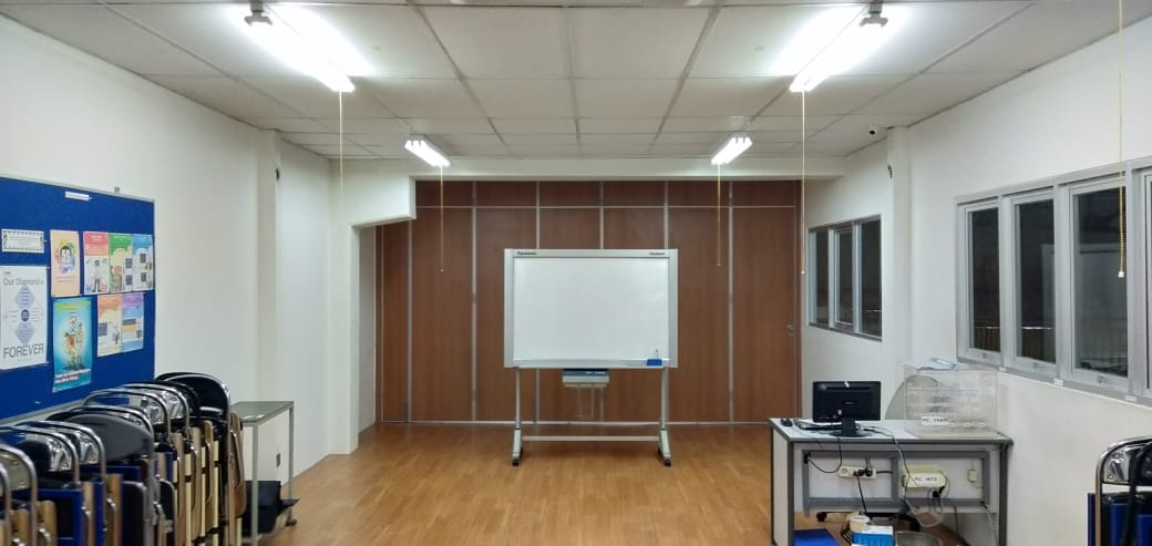 Konstruksi Office Training Room